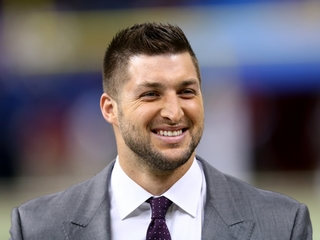 Tim Tebow expected to play in Fort Myers Friday