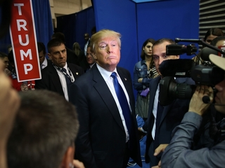 Report: Trump may evict White House press corps