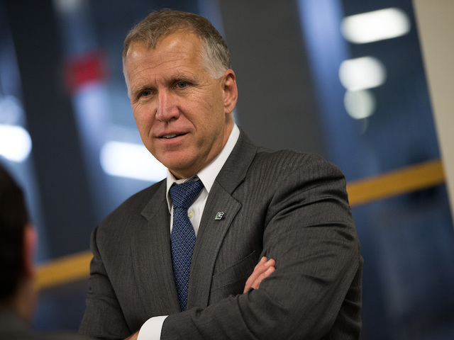 Thom Tillis Collapses During A DC Race