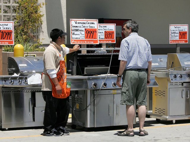 College students post Craigslist ad for a generic 'BBQ Dad'