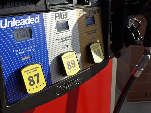 Metro Detroit gas prices see almost 10 cent fall this week